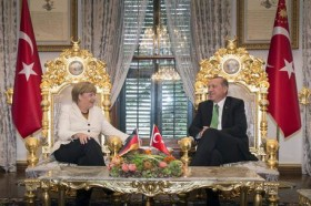 Angela Merkel (L) and Turkish President Recep Tayyip Erdogan (R) EPA/GUIDO BERGMANN/GERMAN GOVERNMENT/HANDOUT MANDATORY CREDIT