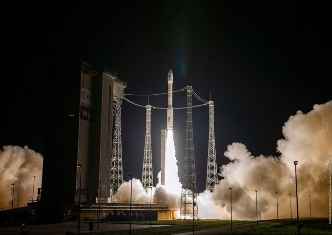 Lanciato in orbita il Vega, è il primo vettore europeo
