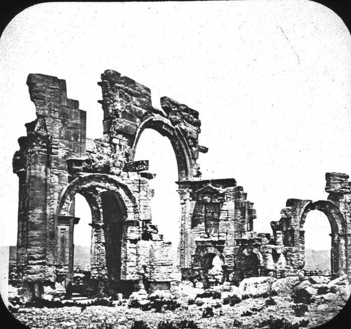 Palmyra arch wikimedia