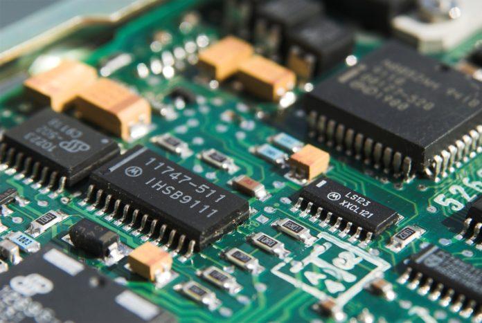 pixabay rifiuti elettronici